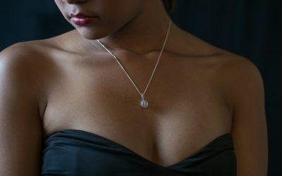 Smukke smykker intensiverer romantikken